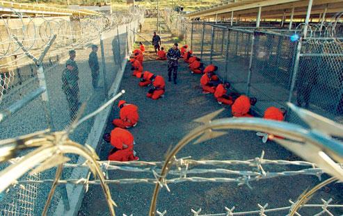Guantanamo_captives_in_January_2002
